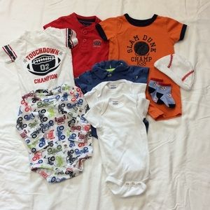 Lot Of 9 Baby Boy Items 0-9 Months